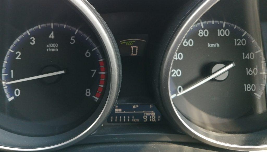 車の走行距離メーターがちょうど111111km