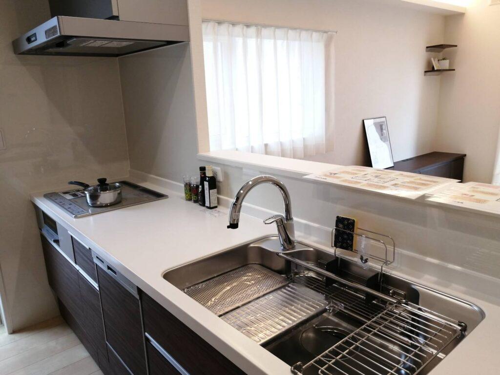 松本市惣社のセキスイハイム新築建売住宅のキッチンもソフトクローズです