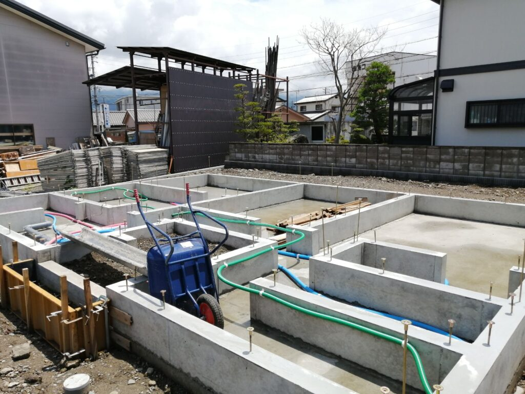 コンクリートが敷き詰められたベタ基礎