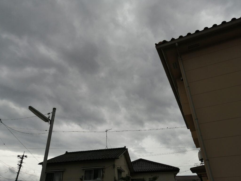 松本もどんより曇り空が続いています