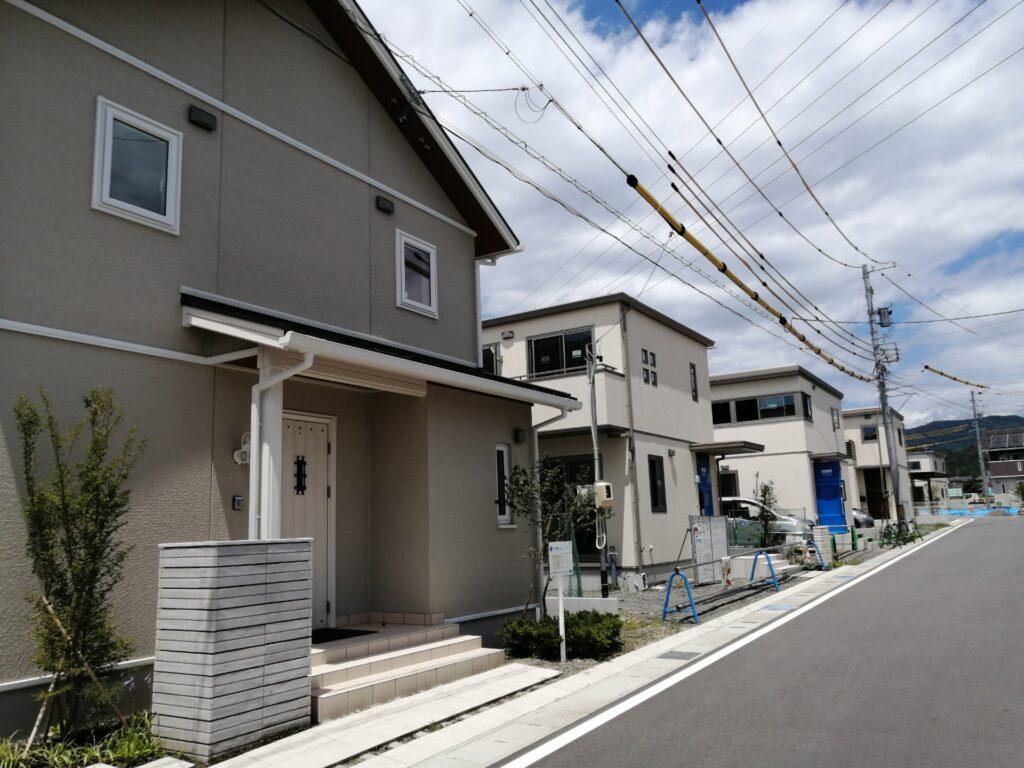 スマートハイムシティ松本市水汲の街並みはセキスイハイムの新築建売住宅が続々