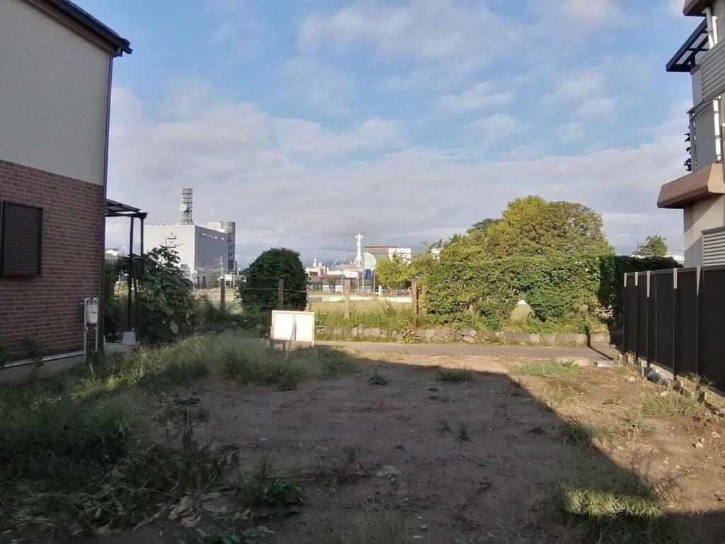 イオンモール松本付近の空地と遠景
