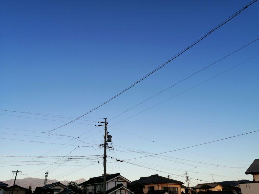 洋風の瓦もよく見かける松本の街並み
