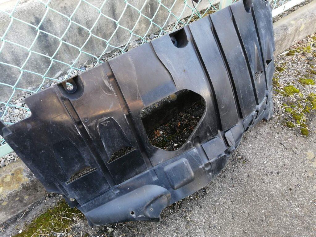 製図試験のついでに落ちてしまった車の部品