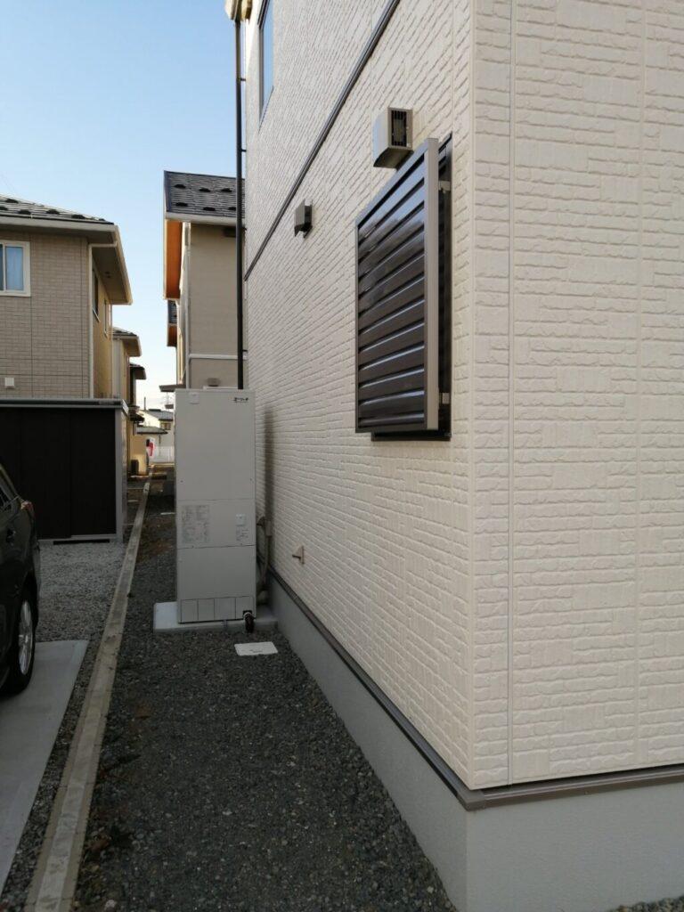 住宅同士の隙間