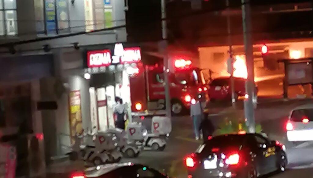松本市清水で車両の炎上事故