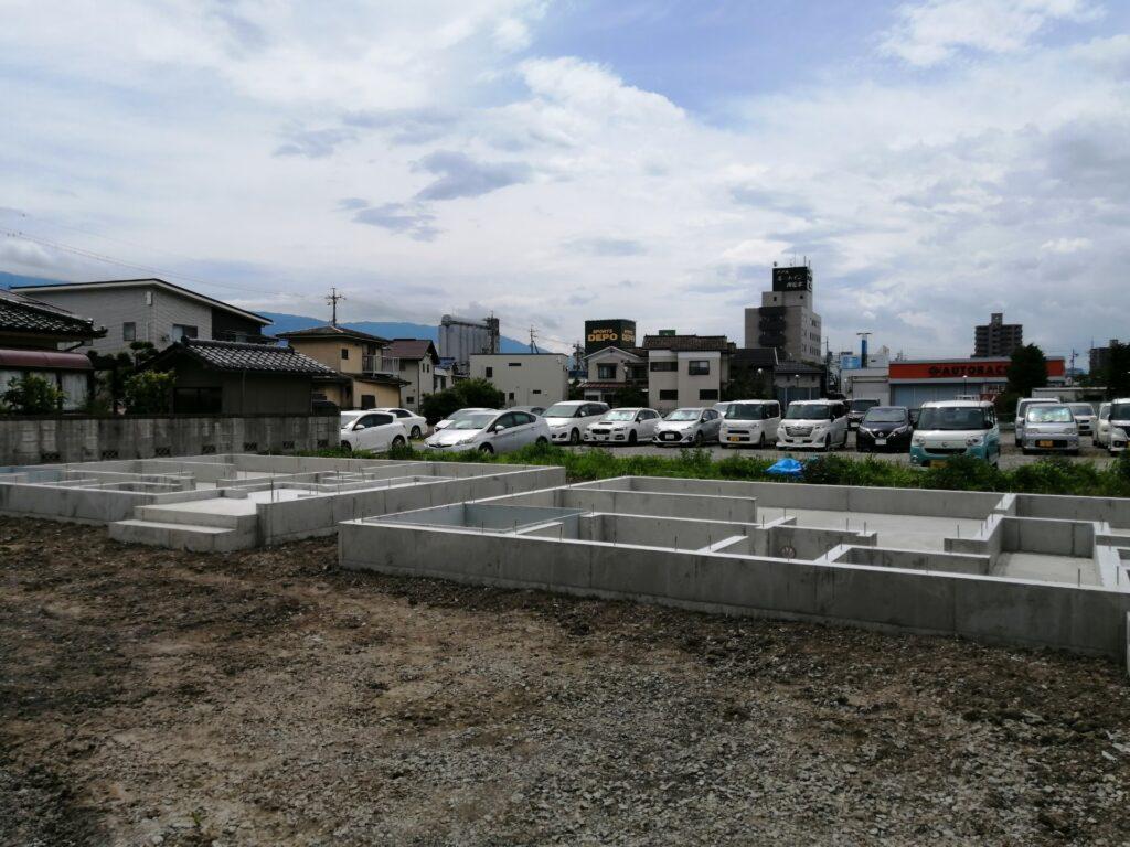 松本市高宮東「新築建売住宅」基礎工事完了