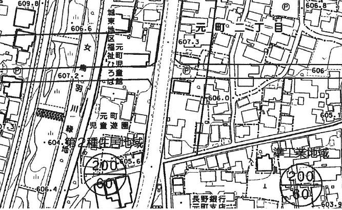 市役所の都市計画課で1枚100円で取得する都市計画図